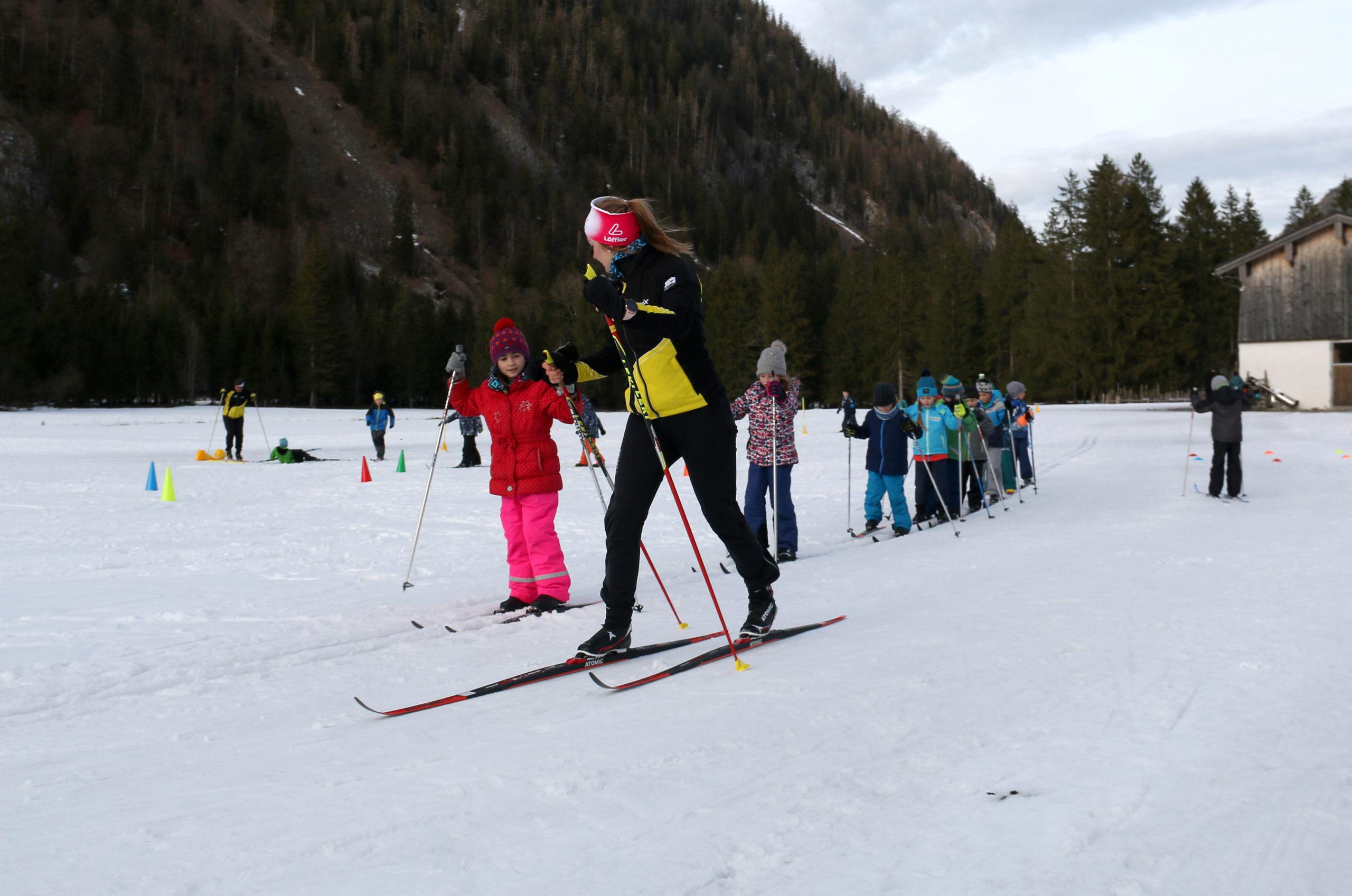 Grundschüler Der Ludwig-Thoma-Schule Schnuppern Bei Den Langläufern Des Ski-Club Traunstein
